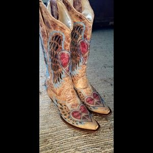 Shoes - Corral Wing and Heart Cowboy Boots